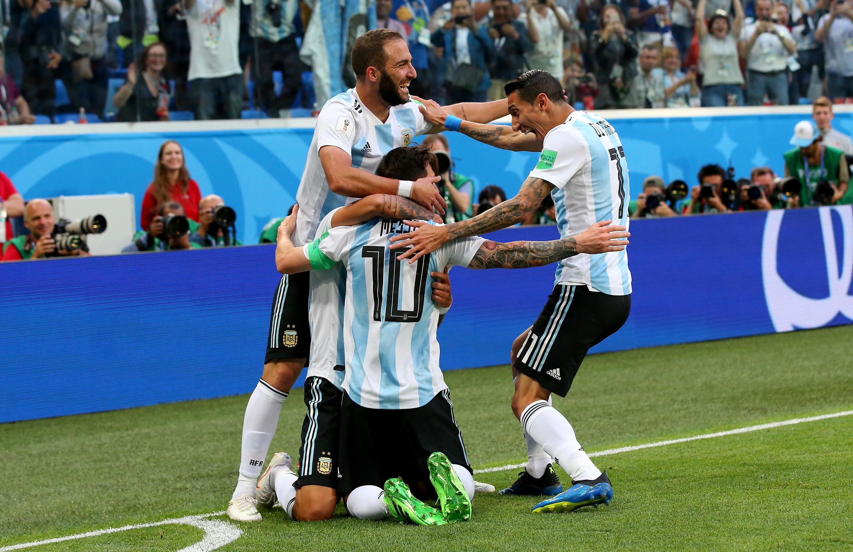 Rojos´ De La Dicha! Argentina Venció A Nigeria Y Clasificó